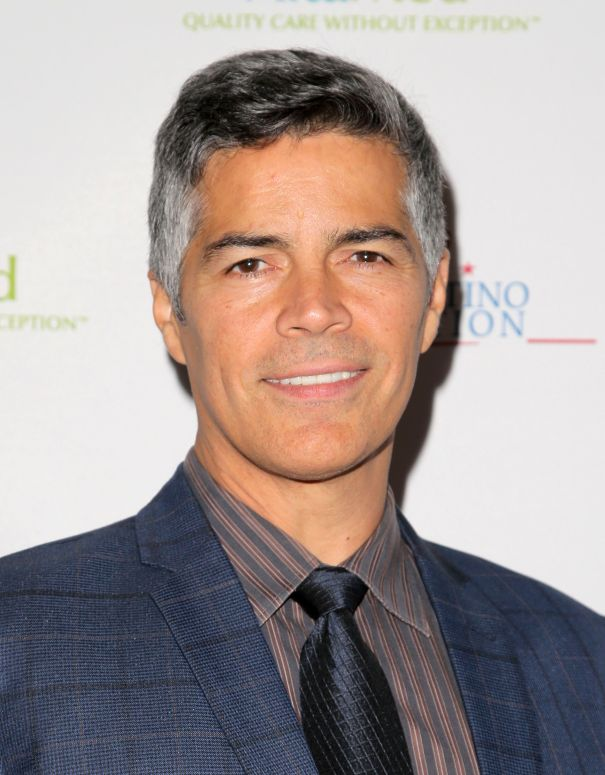 ad77debad esai morales to run for sag aftra president