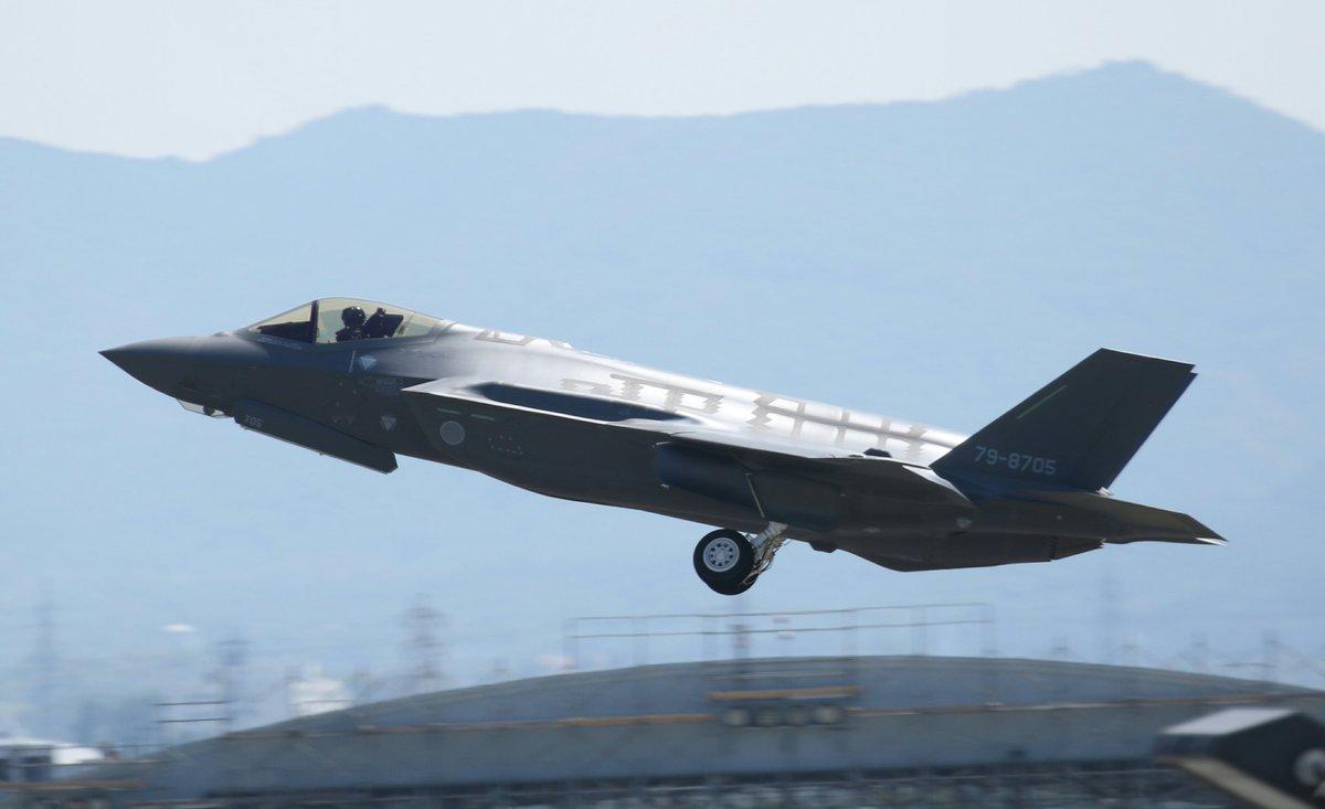 F35A AX-5は0930に小牧飛行場を離陸しました!!\(^o^)/ https://t.co/NpAbuv7jUk