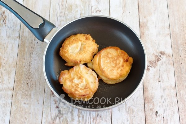 сосиски в тести рецепт на сковороде