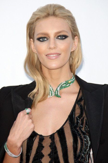 Happy Birthday Anja Rubik