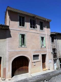 Property in #Beziers, #Languedoc_Roussillon, 138,600 euros  £122,723: Ref: C138600E; Renovated village house with…  http:// dlvr.it/PLtXbR  &nbsp;  <br>http://pic.twitter.com/KoYygN3T37
