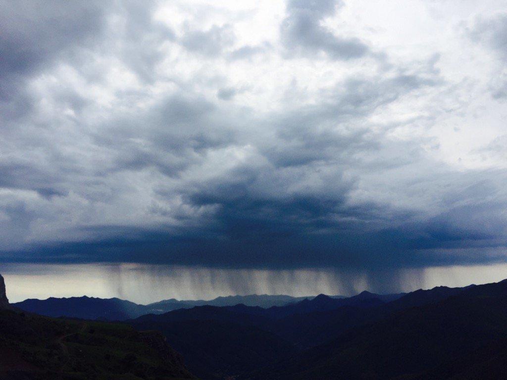 Mountain drama turned up to 11 #PicosDeEuropa @Pura_Aventura<br>http://pic.twitter.com/QaNPPVUNuL