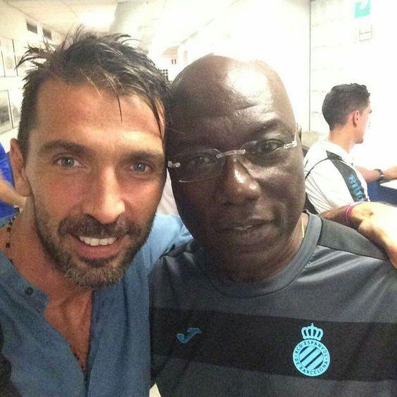 #GIanluigiBuffon and Thomas N'Kono #ItalianGK  and #CameroonianGK pic.twitter.com/LcGujs3rLj