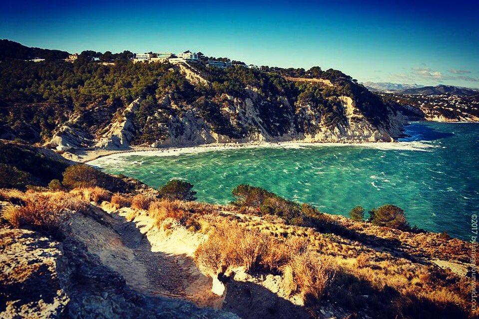 The stunning view from Cap Prim. #capprim #javea #xabia #steepcoast #cliff #costablanca #beach #bay #costablancasights #spain #imageyourword<br>http://pic.twitter.com/WHPb3wpGZR