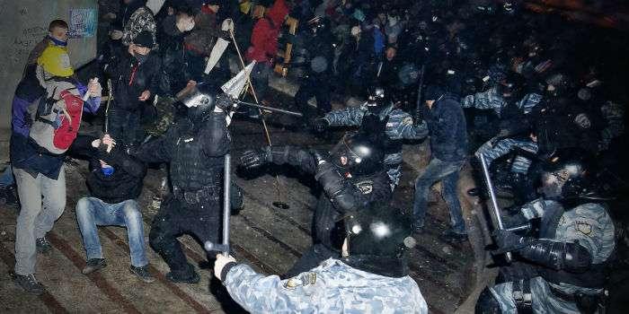 Картинки по запросу избиение студентов на майдане