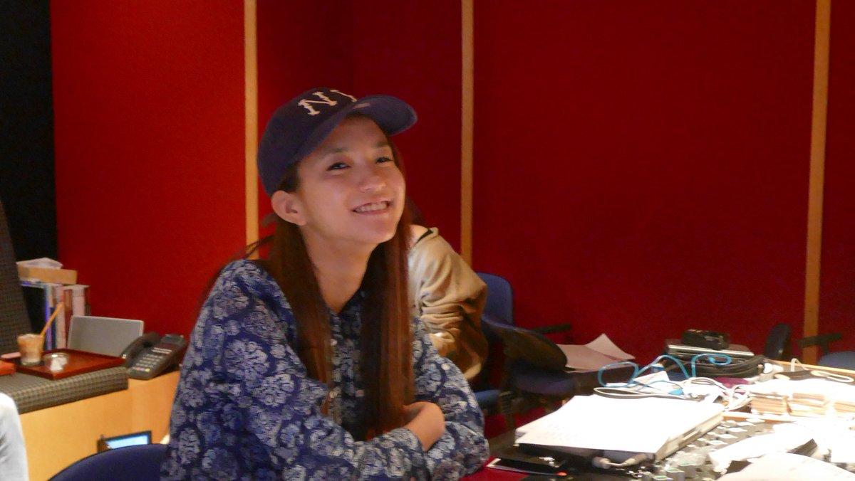 Leola 7/12 日発売 Leola 1st album「Hello My name is Leola」マスタリング確認中もうね、満点なアルバムですよ。  彼女の歌声にはドッキリします。