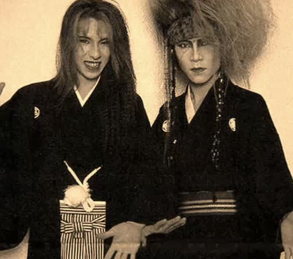Miss both of you!  #TeamYoshiki @YoshikiOfficial<br>http://pic.twitter.com/sCqdOOplag