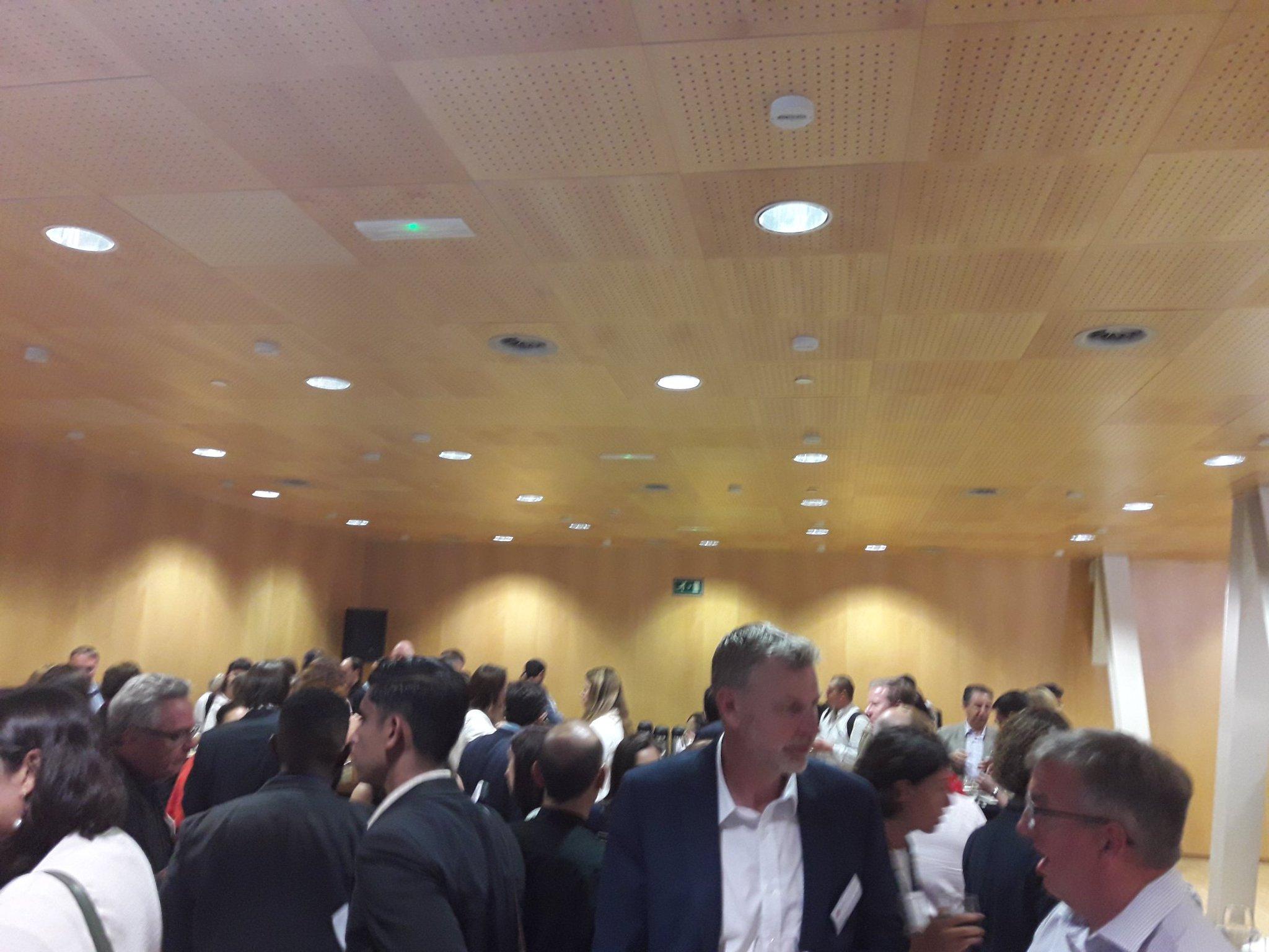 #IGL2017 Networking. Muy buenas conversaciones con los policy makers del mundo @AgenciaIyE https://t.co/YX4Dvt6wu5