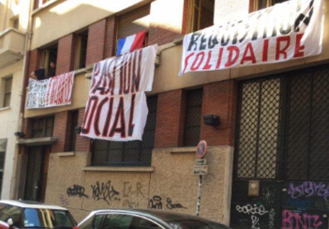 Lyon : le Gud expulsé de son squat par le tribunal d'instance https://t.co/XMg4WyoxrY #Lyon #actu https://t.co/bq0N4JHiIt