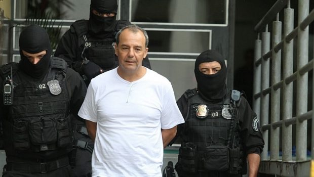 URGENTE: Sérgio Cabral é condenado a 14 anos e 2 meses de prisão por corrupção e lavagem https://t.co/igB2ievW3L