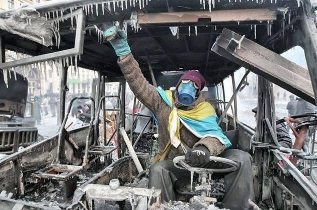Недовольные действиями власти москвичи требовали на Лубянке отпустить пленных украинских моряков, нескольких участников акции задержали - Цензор.НЕТ 6728