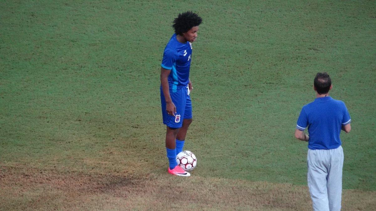 ... o meia Guilherme Biteco é uma das armas do Paraná. Ele marcou três gols  neste ano  trarenape a79ac9c1ff9ed
