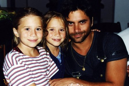 Happy 31st bday to these 2 beautiful girls, Mary-Kate & Ashley Olsen.  Heres some great pics of them w