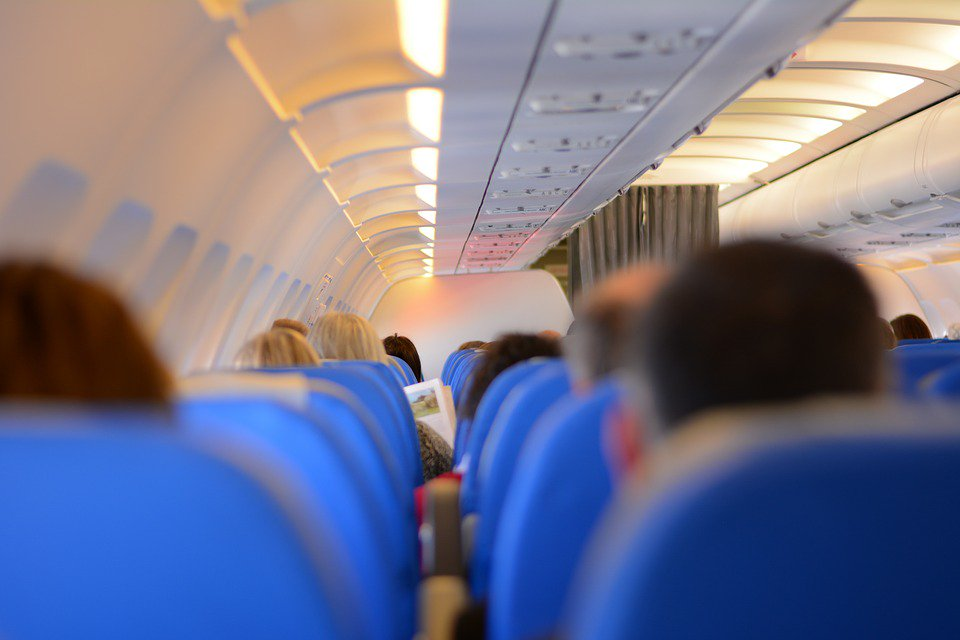 Get more space on a plane with this &#39;secret button&#39;  http:// ow.ly/nx0A30cyz5f  &nbsp;   #travel #wednesdaywisdom #plane <br>http://pic.twitter.com/y46wYlhxV6