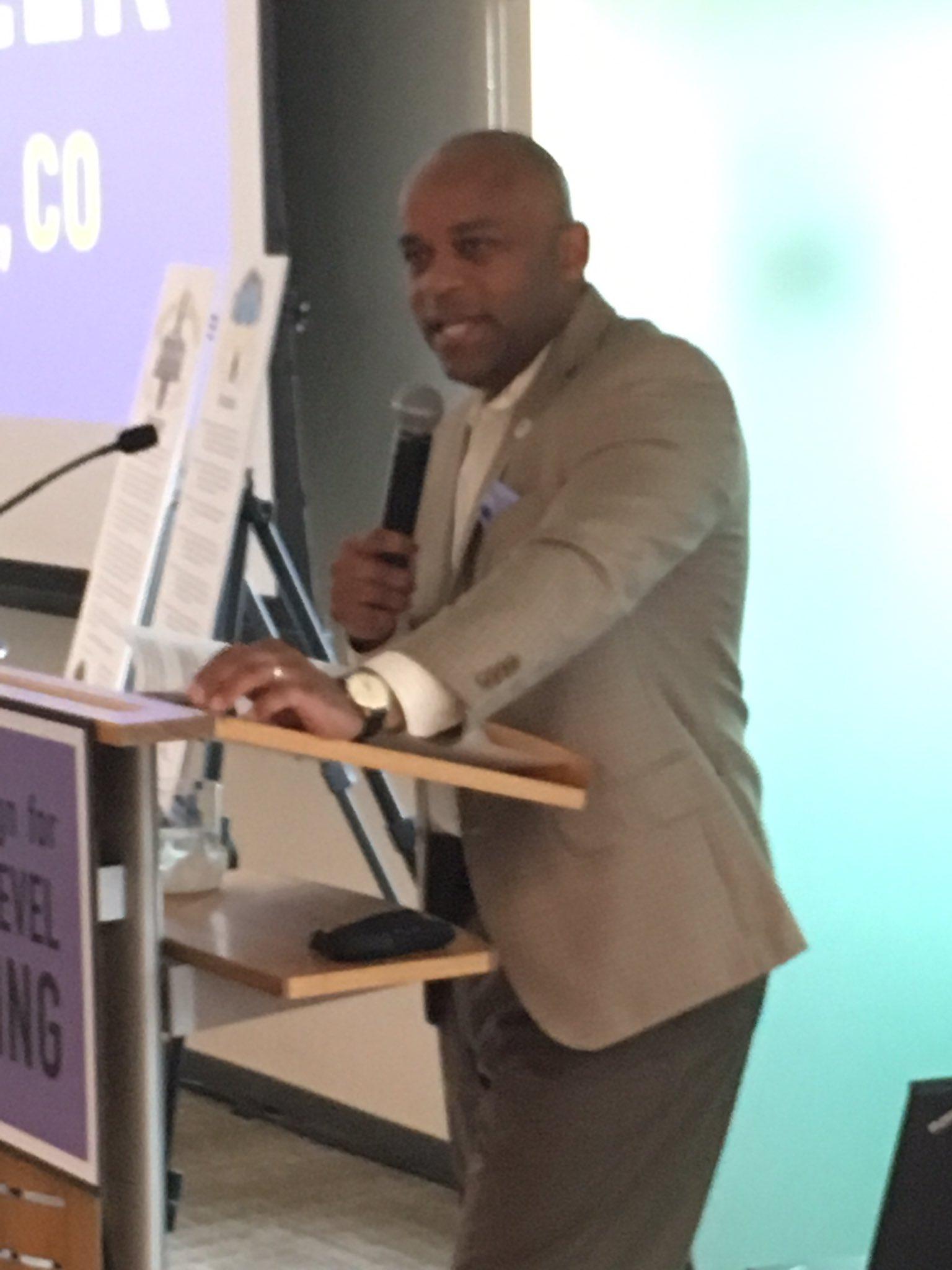 Denver's mayor, Michael Hancock welcomes GLR communities to Denver. #glrweek #glreading https://t.co/AVTWwTb68H