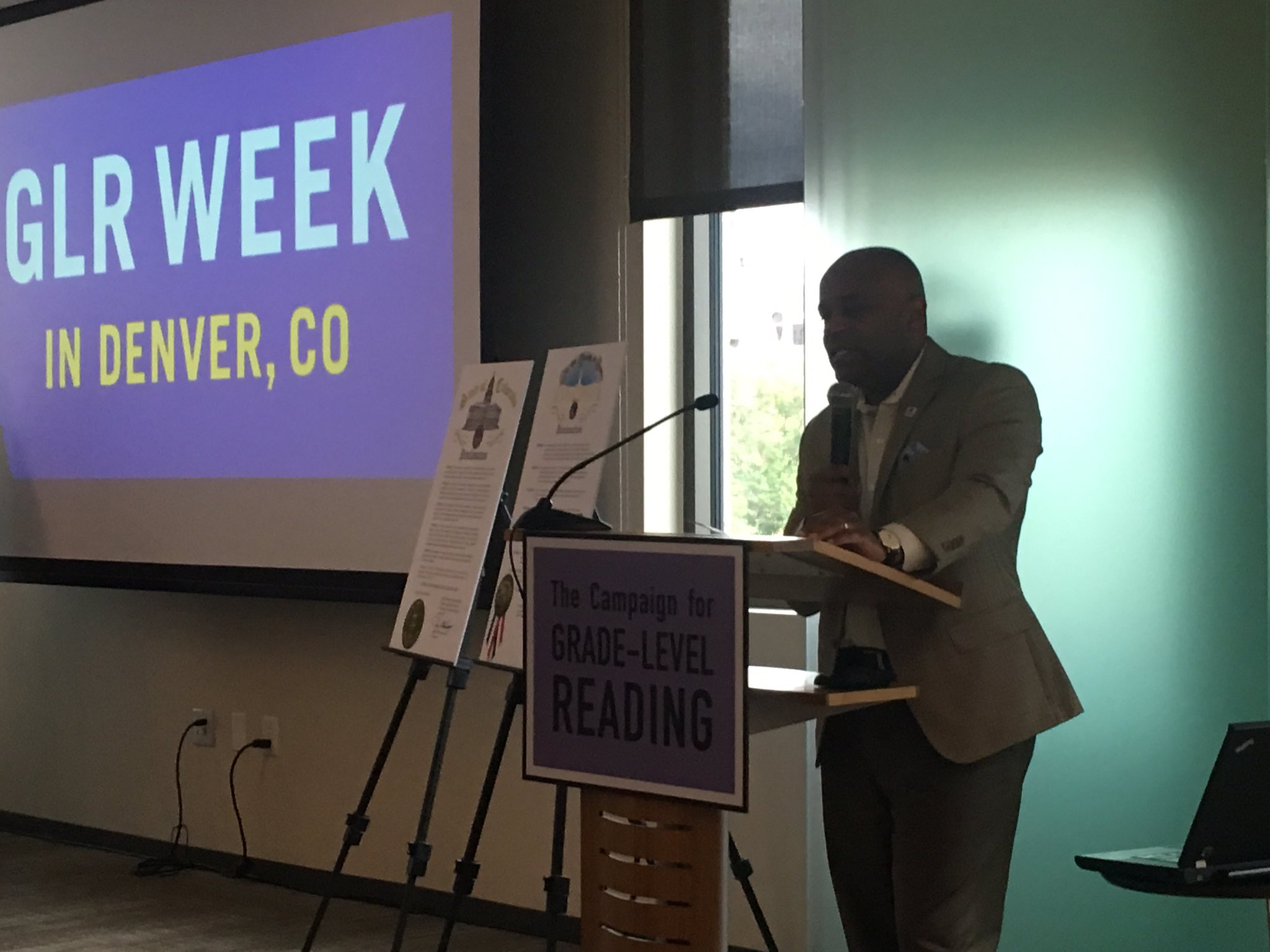 Mayor Hancock: leading his city to ensure all kids read proficiently by 3rd grade. Early learning champion!! #GLRWeek https://t.co/ktxQDUFAsk
