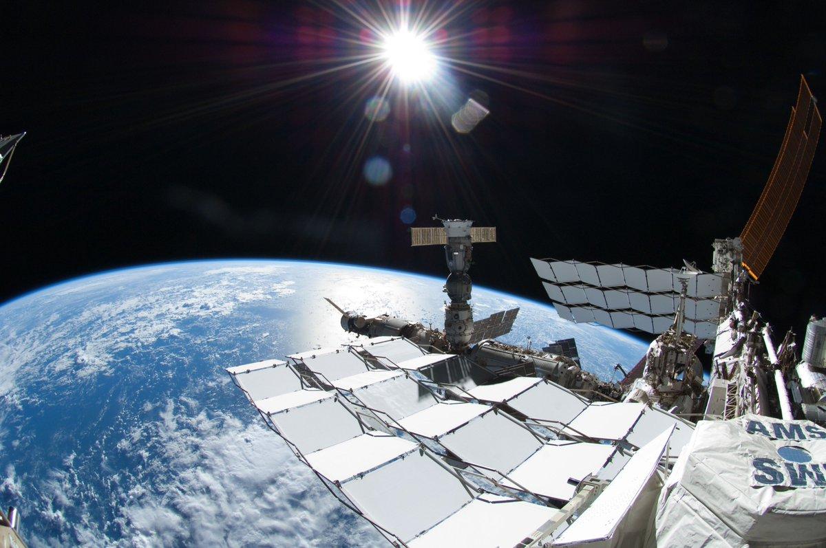 International space station celebrates 15 years in orbit перевод текста - e7