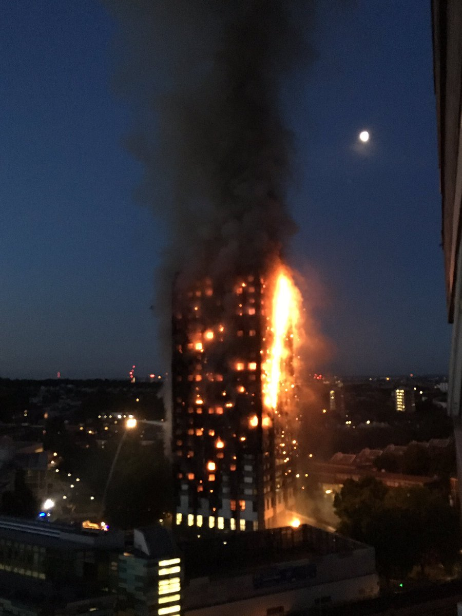 #NorthKensington tower block fire declared major incident, crews working hard at scene ©@Nat_Oxford For updates:https://t.co/Gy6gUYc4ML