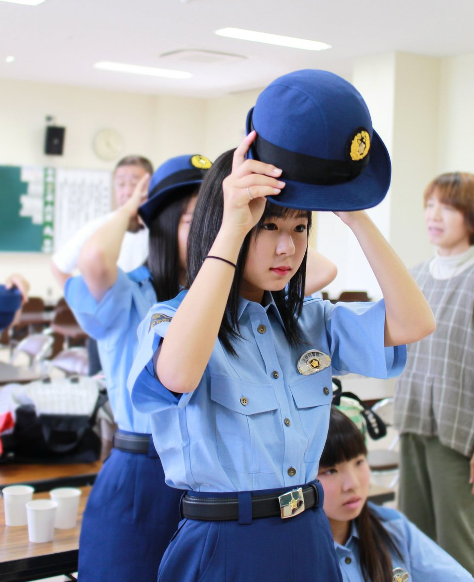 女性警察官の画像