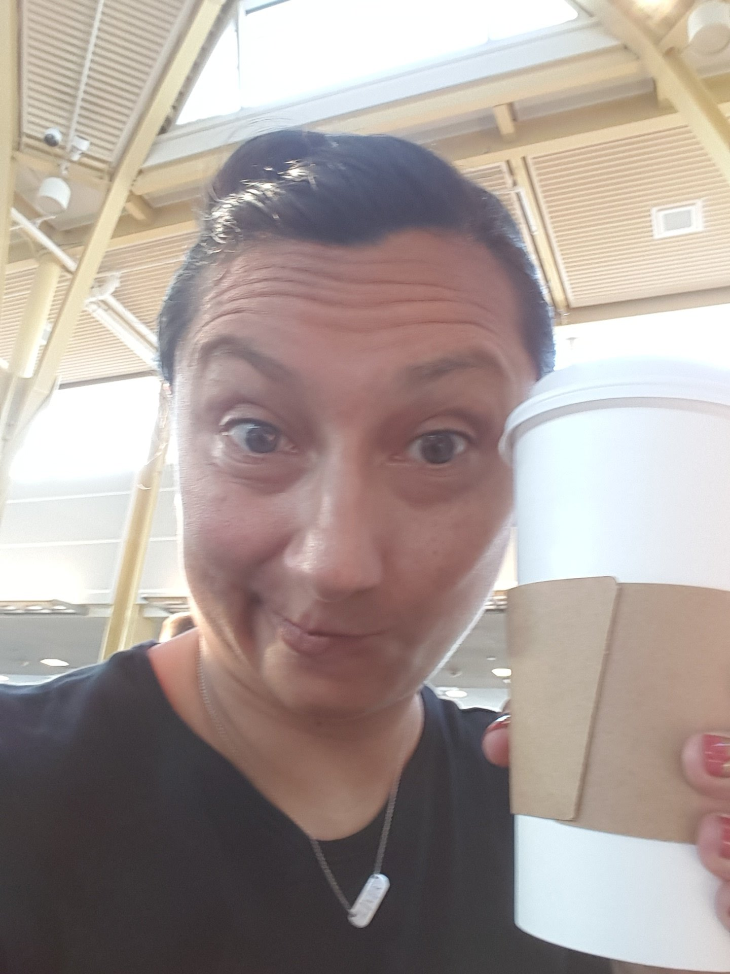 As my youngest would say...9a departures suit me. San Francisco, here I come!! #AFTACON #Aftamember https://t.co/Q5HFJl7xCz