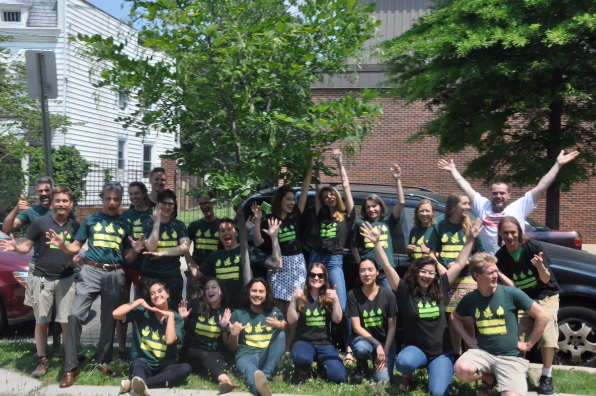 No such thing as too many #DCFlags in a photo! @CaseyTrees is proud to show off our new #TreeTags and our of DC every day #DCFlagDay #Ward5<br>http://pic.twitter.com/z3rO6WtpFq