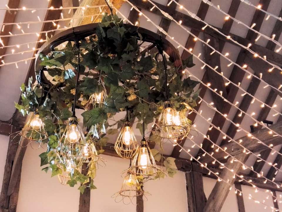 RT @OakwoodEventsUK A wonderful evening for a wedding showcase @Loseleyevents #weddinginspiration #barnvenue #luxurywedding 6.30 - 9pm @LoseleyPark