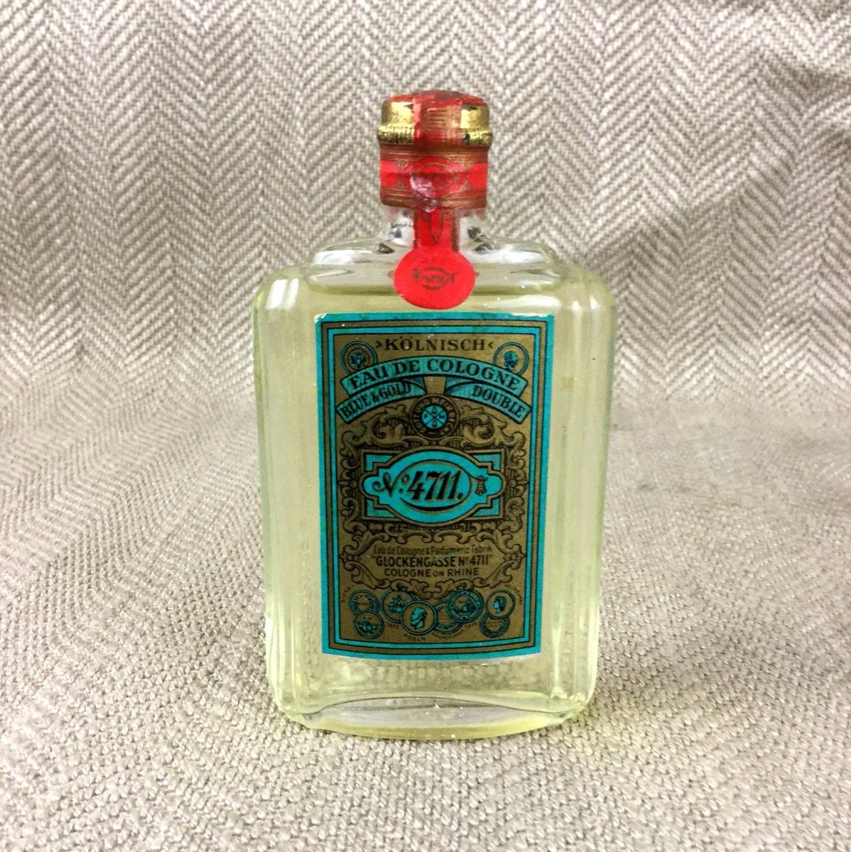 Vintage bottle of unopened 4711 cologne #perfume #vanity #vintageperfume #scent #4711 #collectibles  http:// ebay.eu/2rE99od  &nbsp;  <br>http://pic.twitter.com/O9VOlAolIE