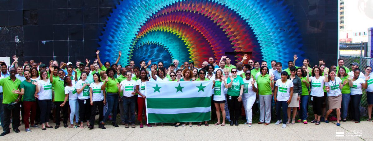 It&#39;s the emblem of the land we love. Happy #DCFlagDay! #DCStatehood #GreenDC<br>http://pic.twitter.com/YfvZeGes3L