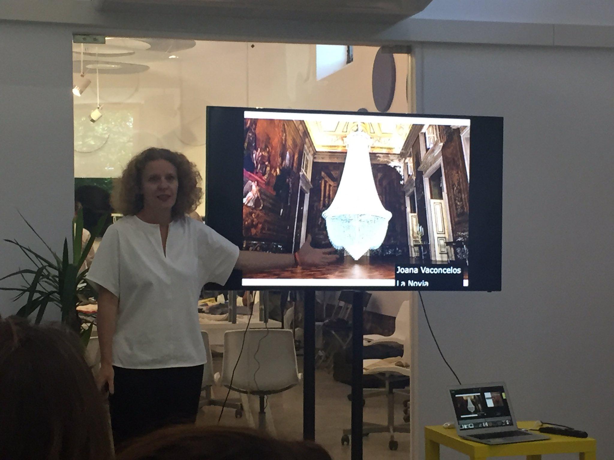Analizamos el Art Thinking en #SantillanaLab de la mano de @mariaacaso https://t.co/hDk5uZZGo1