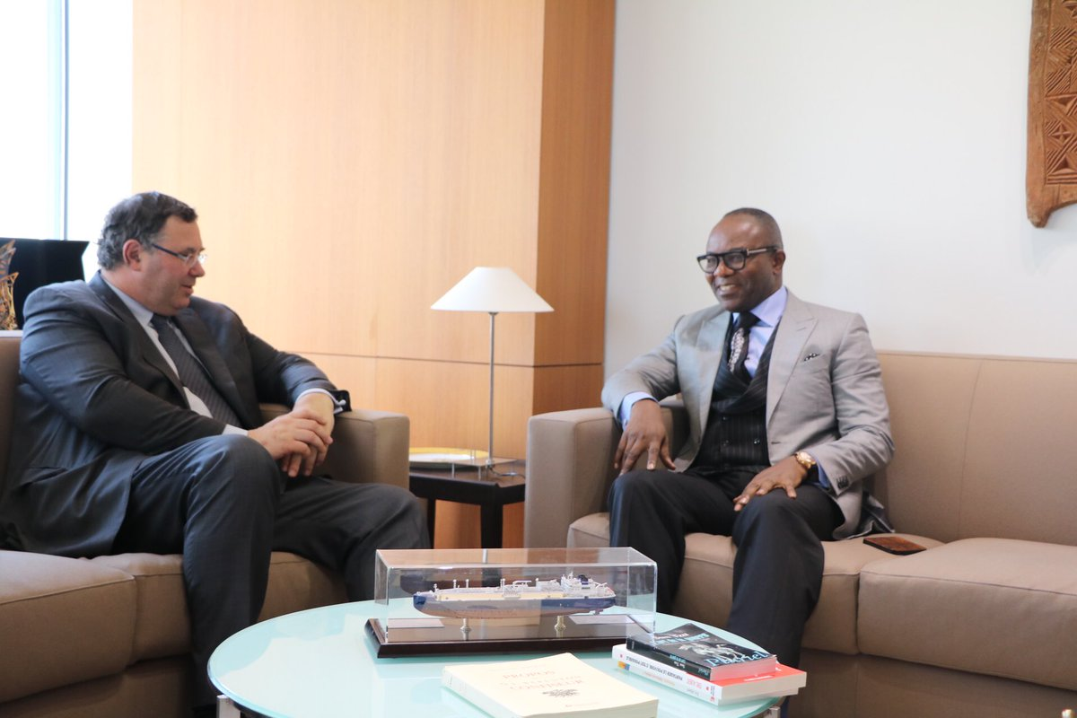 The Minister of State for Petroleum Resources, Emmanuel Ibe Kachikwu paid a courtesy visit to Total in a bid to boost oil/gas investments in Nigeria