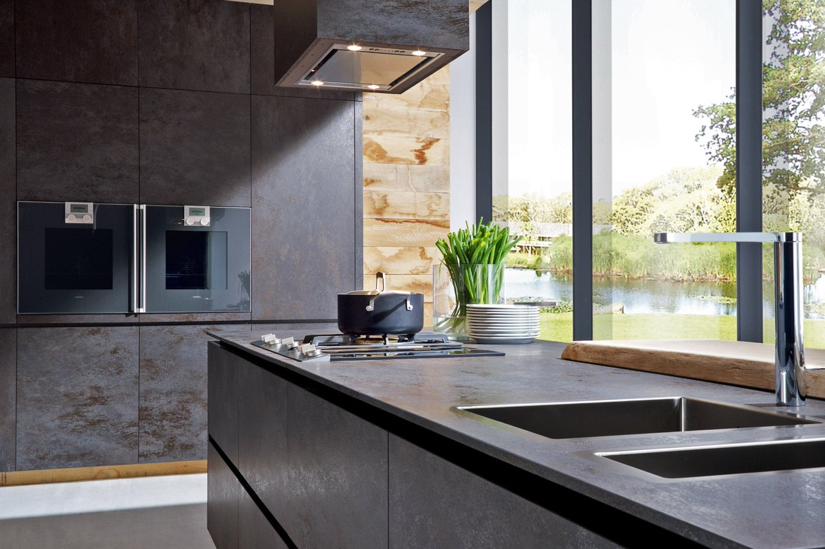 This stunning @ALNOUK ceramic #kitchen is part of our #CERA range of ceramic kitchens. Click to find out more  https:// alnokitchens.co.uk/ranges/type:ce ramic &nbsp; …  #ALNO<br>http://pic.twitter.com/4AJ9Y3TXdU