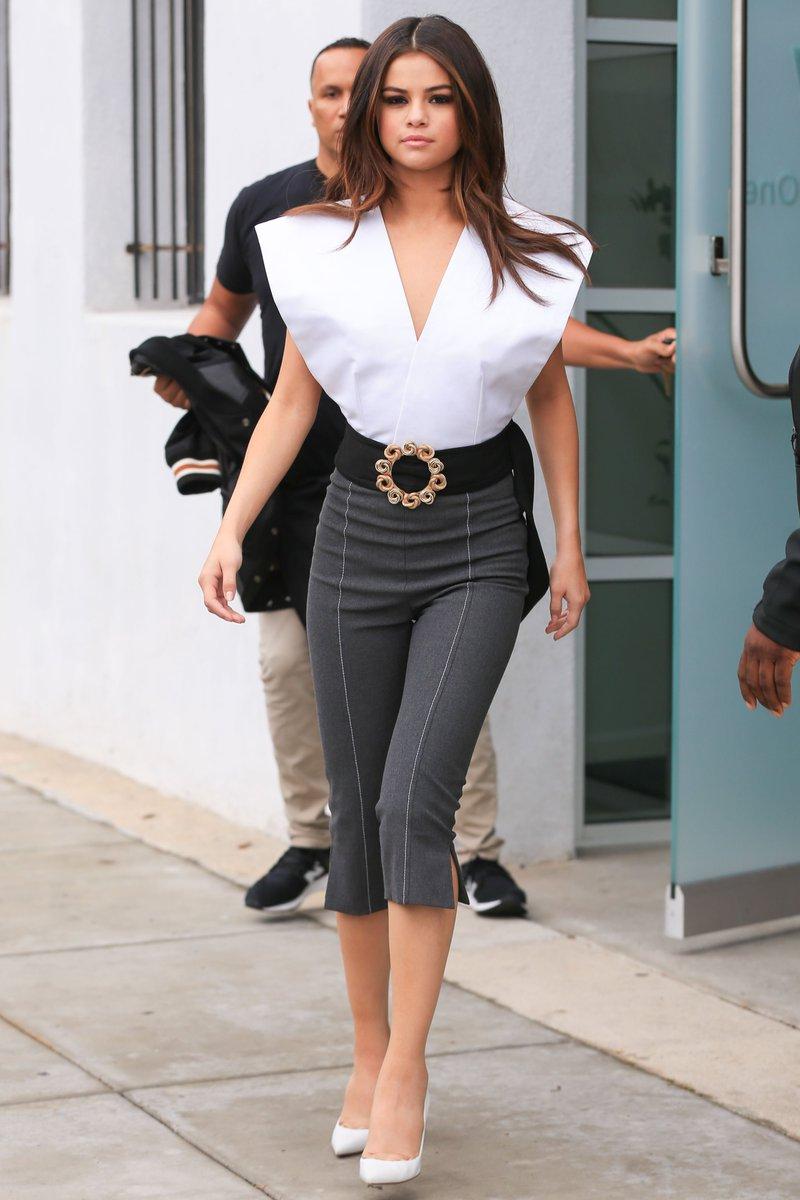 Street style : pourquoi les choix mode de Selena Gomez sont de plus en plus pointus ? https://t.co/vTO2G5HgAi