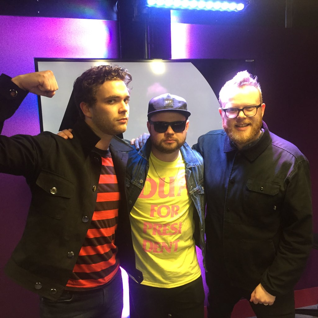 .@royalblooduk on the show @BBCR1 tonight 10.30pm with an #itsalbumtime special! https://t.co/8yvQjen6WJ
