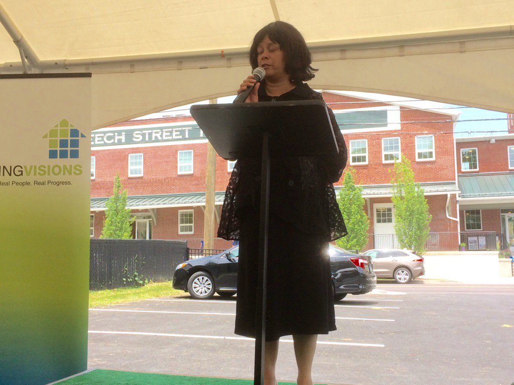 @pottstownboro Mayor Sharon Thomas says project good example of fusion of old & new. https://t.co/IbSlY2UUx9