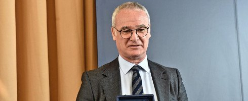 Claudio Ranieri hits back at &quot;bizarre&quot; Raymond Domenech for trying to block #FCNantes move  http://www. football-italia.net/104152/ranieri -domenech-bizarre &nbsp; …  #TeamFCN <br>http://pic.twitter.com/tlFvkgLng9