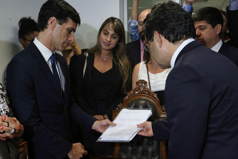 Grupo de cidadãos protocola no Senado pedido de impeachment contra Gilmar Mendes https://t.co/oj40fVks5Y (📷Fabio Rodrigues Pozzebom/ABr)