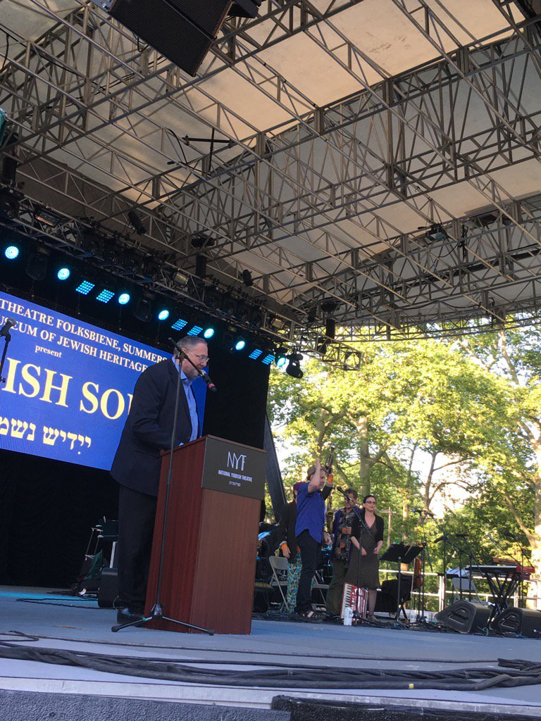 @folksbiene presents Yiddish Soul at @SummerStage: a great night in NYC hosted by our own @talljewishradio #yiddish <br>http://pic.twitter.com/PFcW0kewzp