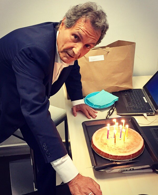 Bon anniversaire Jean-Jacques !!! #rmclive #coulisses #happybirthday  #bourdindirect <br>http://pic.twitter.com/g040pmdKl8