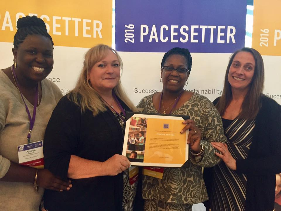 Meet our fabulous team at @readingby3rd #GLRWeek in Denver receiving our Pacesetter Honors for Success, Scale and Sustainability! https://t.co/BjoGdq63Ib