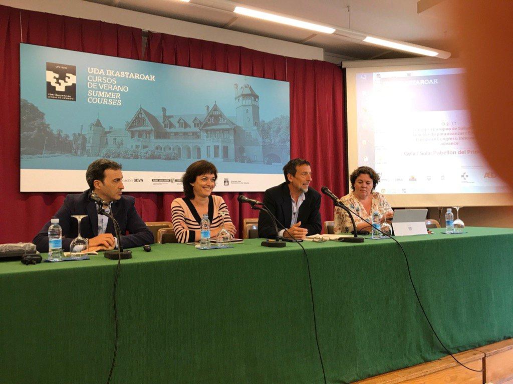 """Pako Serna presenta la mesa """"innovación con los profesionales"""" #ehealthdonostia @ASaludDigital https://t.co/8Km2WDXF9Y"""