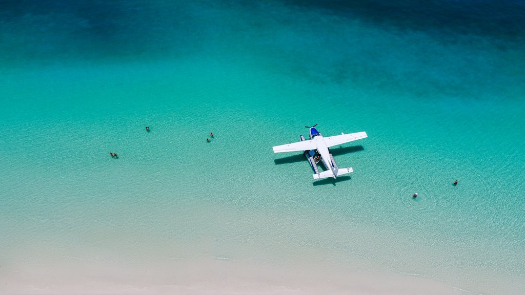 .@HamiltonIsland activities to take your breath away https://t.co/iRy8tirsjz. https://t.co/fEt25cToJr