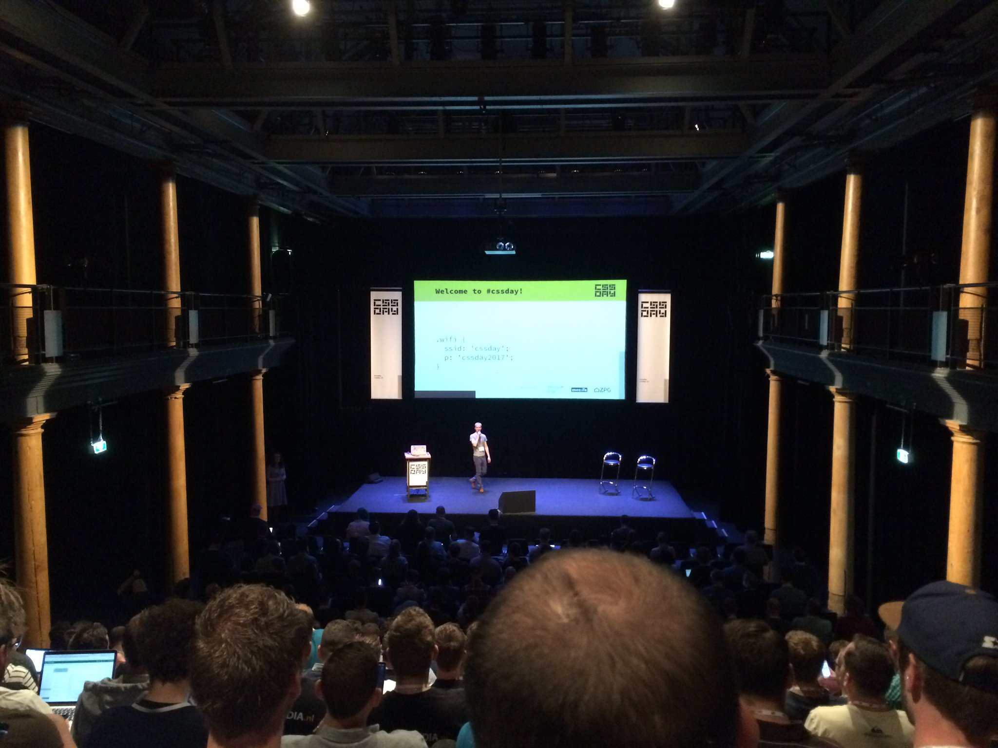 There is more frontend development knowledge in this room that you can shake a stick at! 🤓 #cssday https://t.co/ZzgyYaw8id
