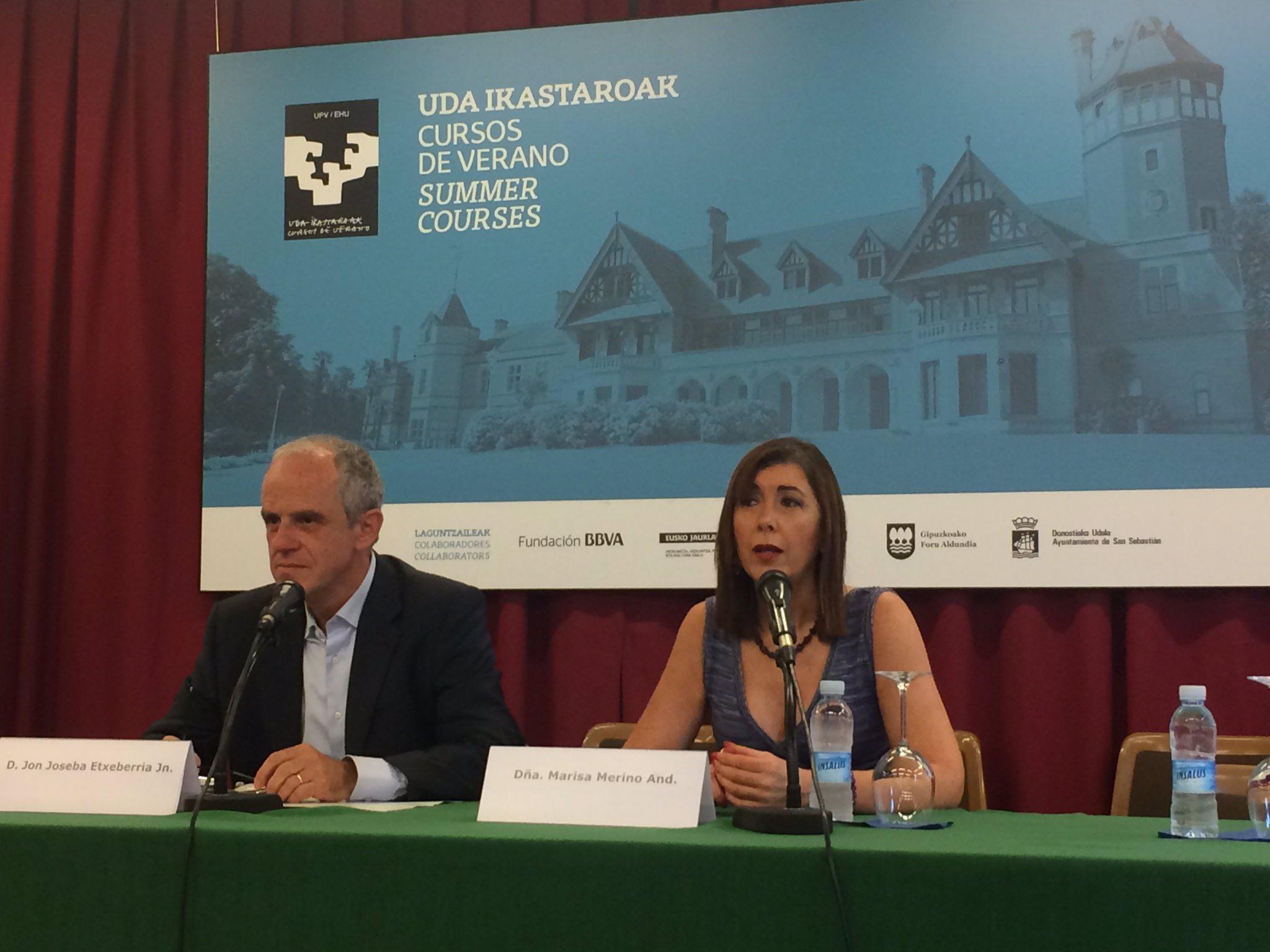 Comenzamos en #ehealthdonostia con Inauguración a cargo de Jon J Etxeberria de @osakidetzaEJGV y su directora @MarisaMerinoH https://t.co/V461cyXCVW