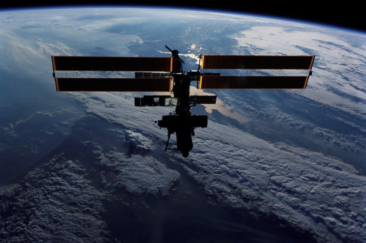 International space station celebrates 15 years in orbit перевод текста - e