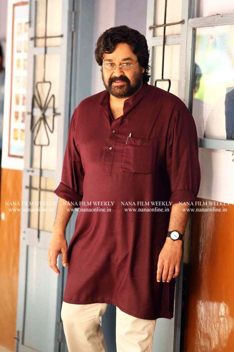 @Mohanlal #Siddique #ReshmaRajan  in @Laljosemechery &#39;s #VelipadintePustakam movie stills  @KeralaBO1 @MalayalamReview<br>http://pic.twitter.com/nZt5F38huY