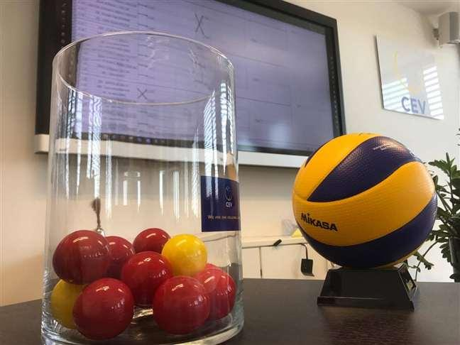 What to look forward to in the #CEVCupW, #CEVCupM, #CEVChallengeCup  http:// bit.ly/2sw9edX  &nbsp;  <br>http://pic.twitter.com/9Il1LKxrY7