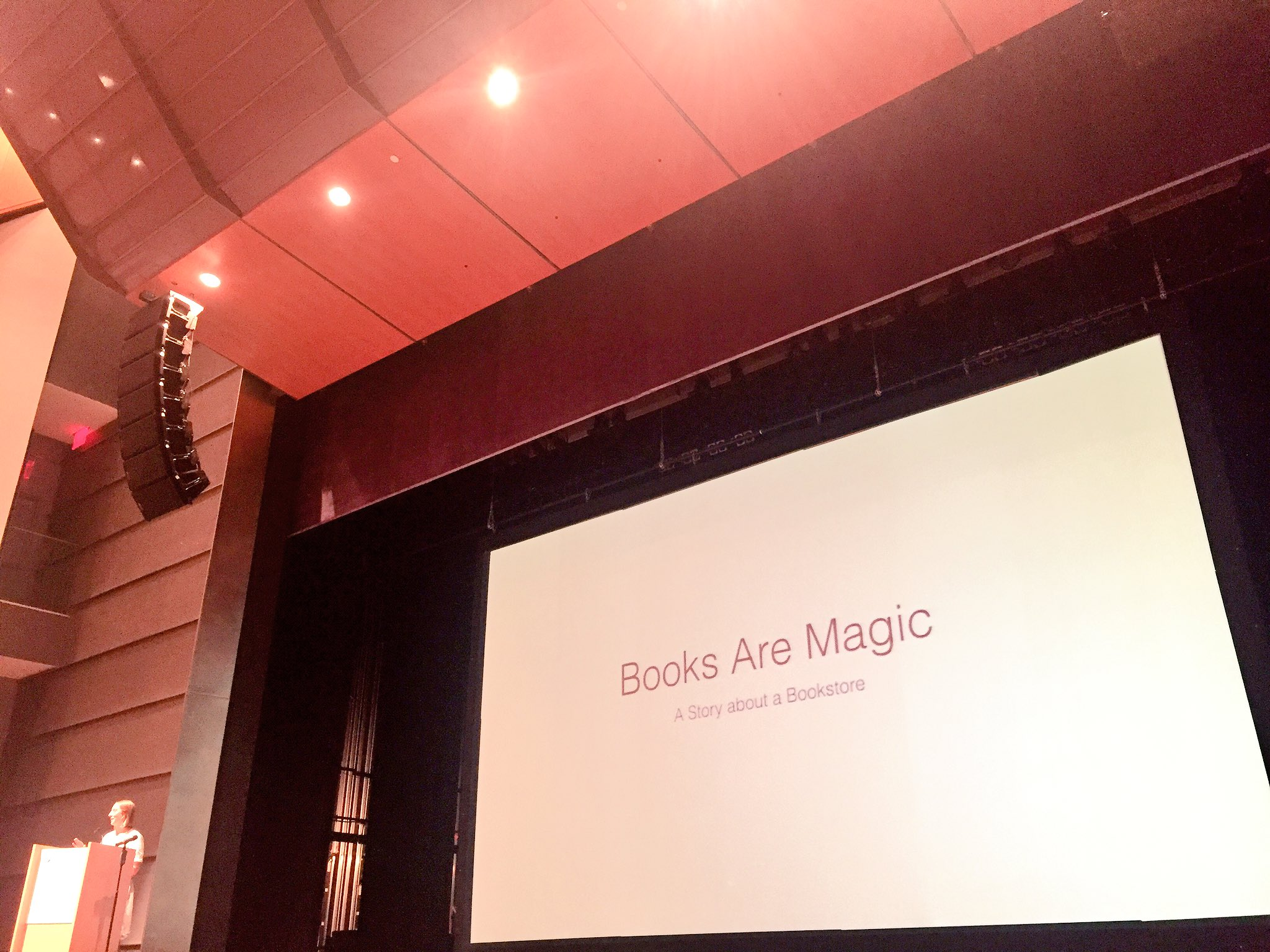 ✨ Listening to @emmastraub at the #ReadingMatters conference! We're so inspired by her bookstore @booksaremagicbk 📖✨ https://t.co/yFIaOqYQFs