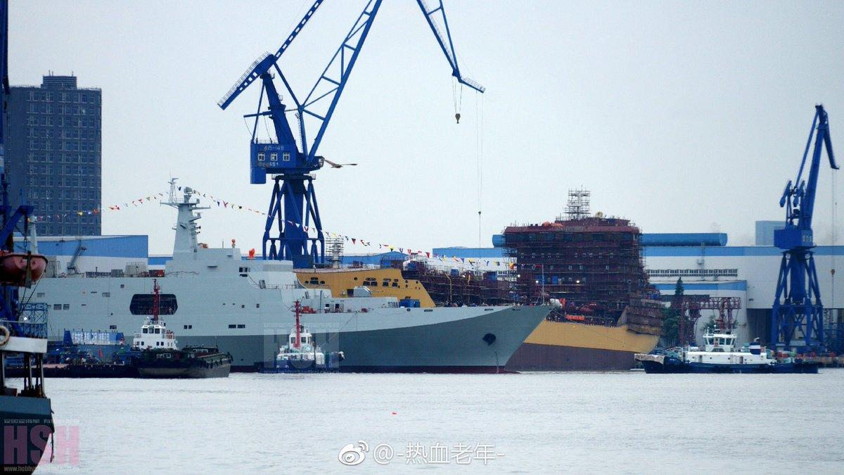 سفينه الانزال البرمائي فئة Type 071 Yuzhao-class الصينيه DCXtV37XsAI0iLt