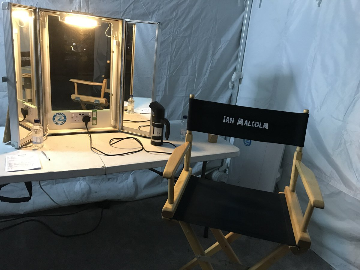 Always good to have an old friend back on the set.  @JurassicWorld #JurassicWorld2 https://t.co/ryDAXgS5Xx