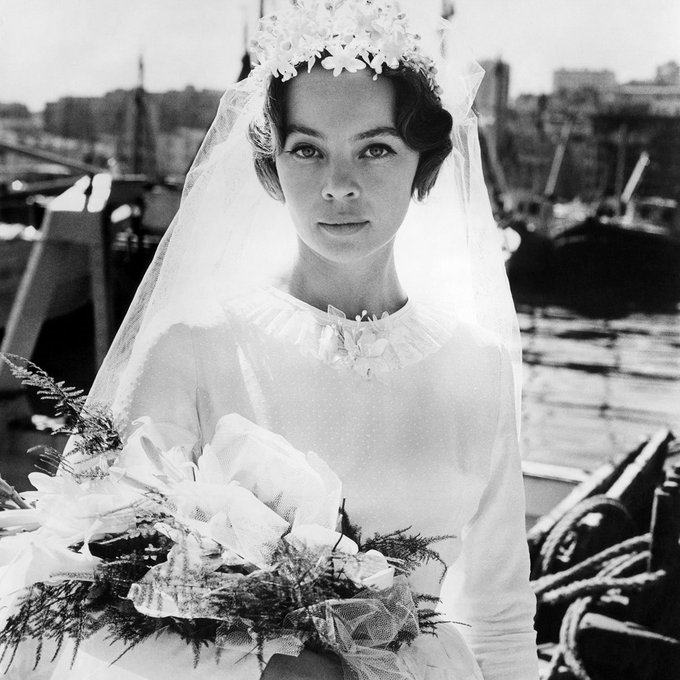 Wishing a happy 86th birthday to Leslie Caron, seen here in FANNY (\61)